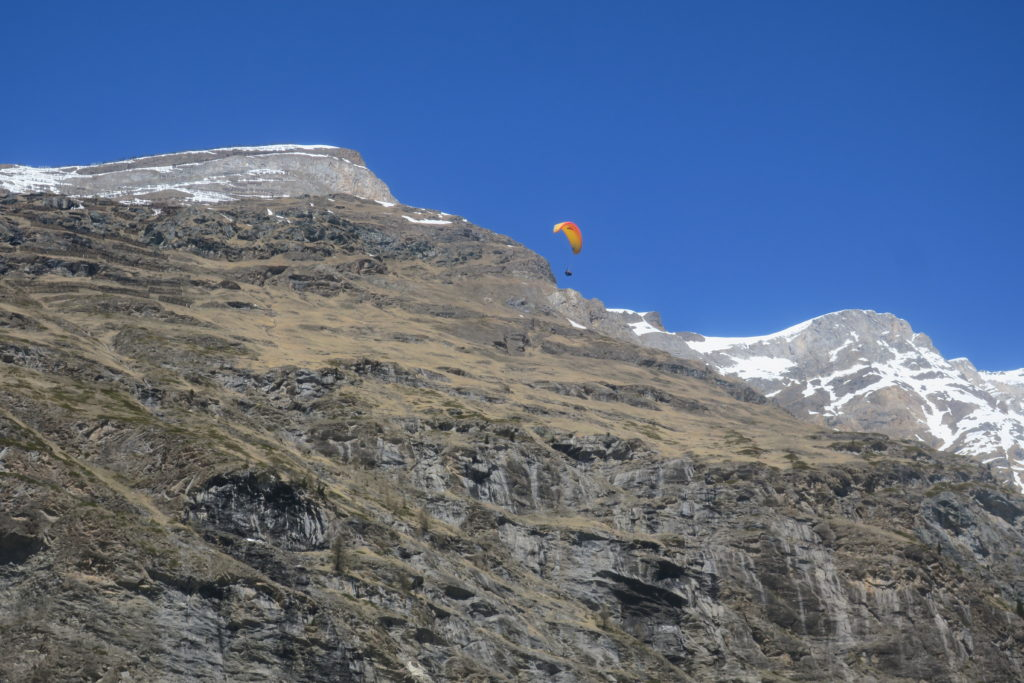 ツェルマットでスカイダイビング